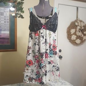 Beautiful floral nighty size Large